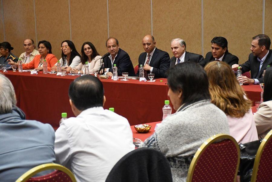 Funcionarios provinciales abrieron el diálogo con docentes para iniciar las paritarias.