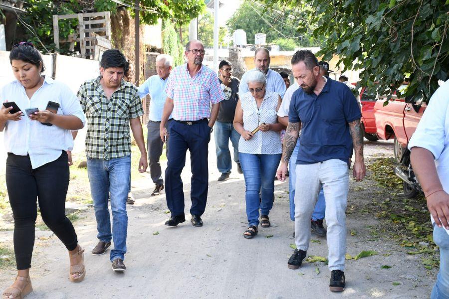 El barrio Ferroviario queda ubicado en Sarmiento al 90. El Gobierno provincial se comprometió a asistirlos en las gestiones.