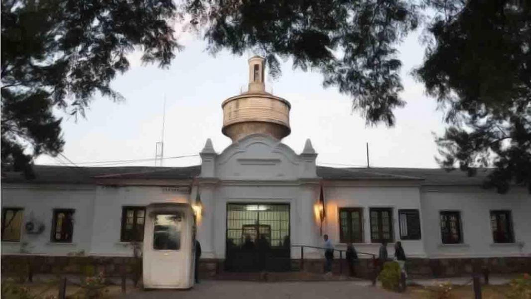 En la cárcel de Villa Las Rosas se restringen las visitas a internos, solo se recibirán a familiares directos.