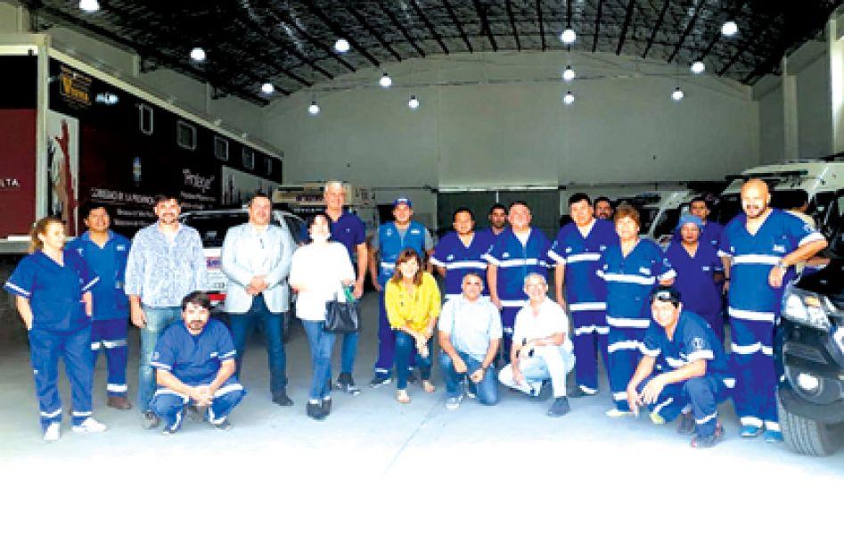 Legisladores salteños luego de entregar las donaciones recorrieron las instalaciones del SAMEC.