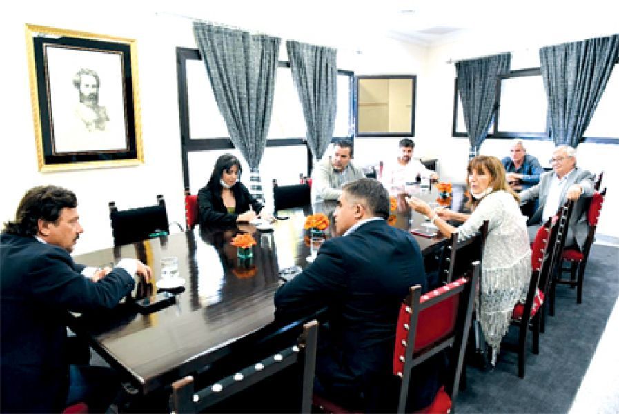 Los siete diputados nacionales por Salta se reunieron con el gobernador Sáenz para apoyar y aportar su visión en la lucha contra el virus.